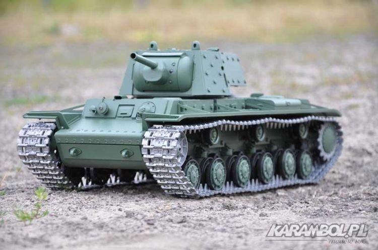 Zdalnie sterowany czołg 1:16 KV-1 firmy Heng Long w wersji z wytwornicą dymu modułem dźwiekowym i proporcjonalną aparaturą, dostępny w sklepie modelarskim Karambol w Warszawie